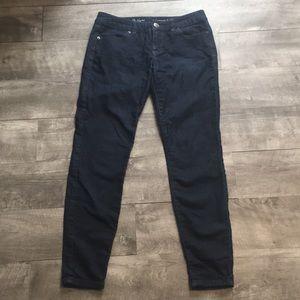 The Limited Legging Jean. Dark blue wash, size 6.